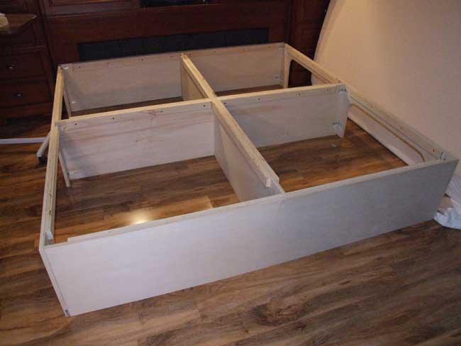 How to build platform bed king size quick woodworking projects - Build your own king size platform bed ...